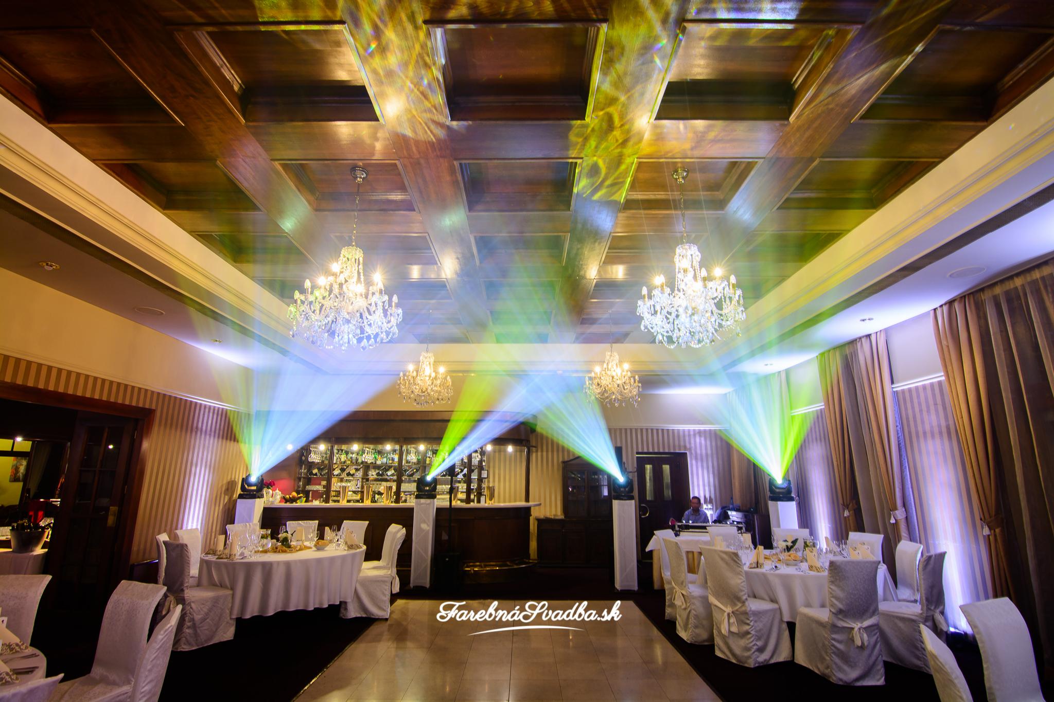 a2b797d52 Erik sa nam postaral o skvelu zabavu na nasej svadbe 4.7.2015 v hoteli  Bankov v Kosiciach. Urcite neolutujete, hlavne ak svadbu planujete na  dialku - zijem ...